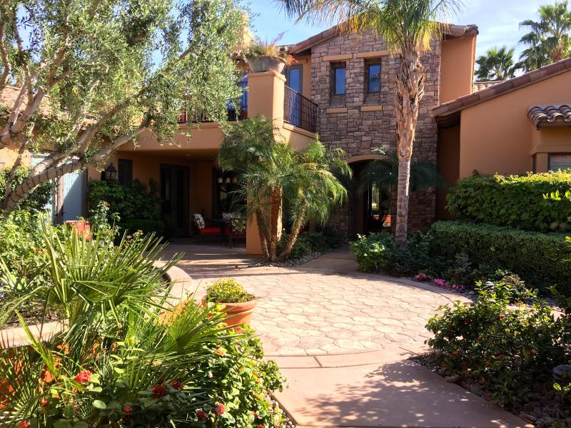 Private courtyard in the front of the house - Luxury House for Coachella - La Quinta - rentals