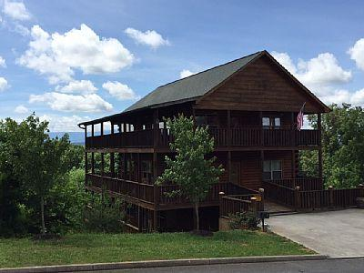 Heavenly View cabin, 6 BR, 5 Bath - Heavenly View cabin with outdoor fire pit - Sevierville - rentals