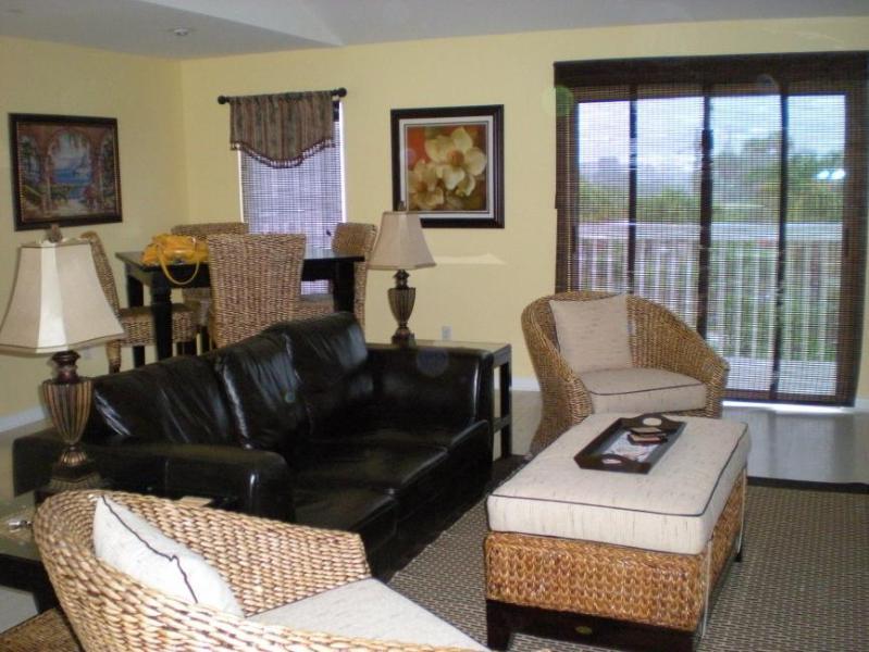 "Livingroom - ""Geaux Coastal"" 2B/2B Destin Harbor Boat Slip - Destin - rentals"