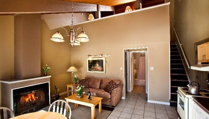 Wonderful, spacious living area - Banff Tunnel Mountain Comfortable 1 Bedroom Condo + Loft - Banff - rentals