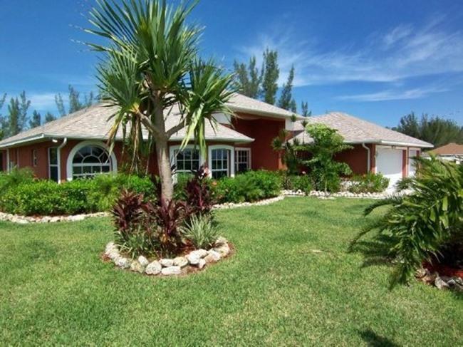 Palm Breeze - Cape Coral 3b/2ba luxury home - Image 1 - Cape Coral - rentals