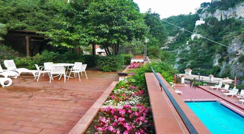 01 Giglio shared pool area - GIGLIO Ravello/Atrani - Amalfi Coast - Ravello - rentals