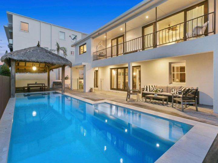 BALLOW BOUTIQUE BEACH HOUSE - Image 1 - Tweed Heads - rentals