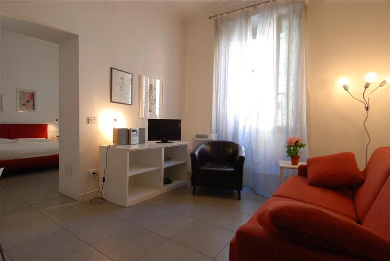 Beautiful & cozy 1bdr in Navigli - Image 1 - Milan - rentals