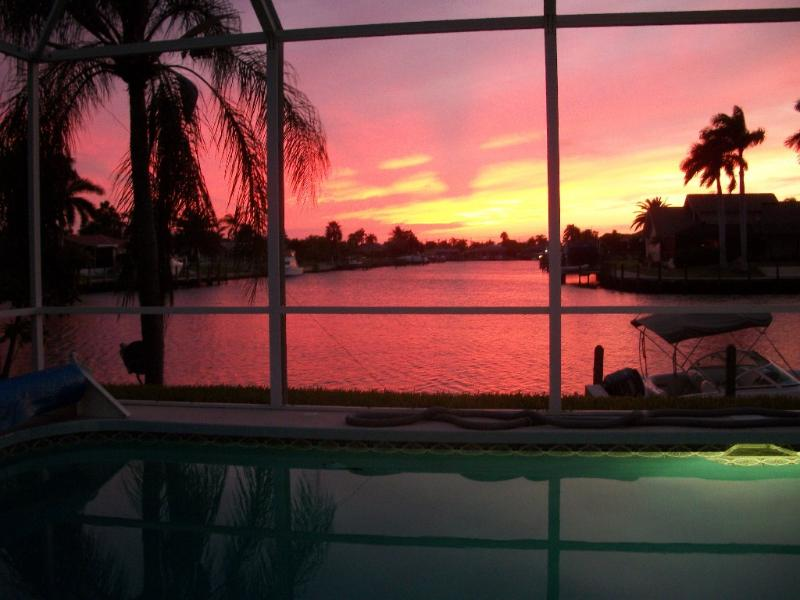 Spectacular Sunsets & Tropical Luxury - Image 1 - Cape Coral - rentals