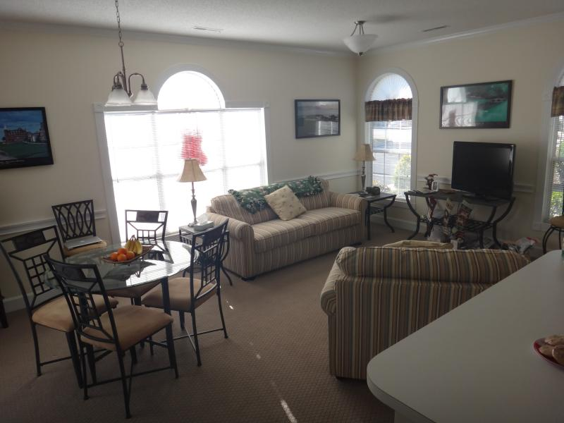 Living room with 2 pull out couches (1 Queen and 1 Single) - Myrtlewood Condo!!!!  Memorial Day Weekend Special, May 26-29,  $390 Total!!! - Myrtle Beach - rentals