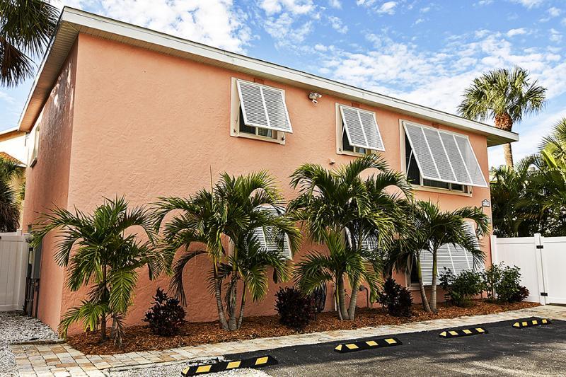 Welcome to THE PINK FLAMINGO - Your Siesta Key Beach House! - WELCOME TO YOUR SIESTA KEY BEACH HOUSE! - Siesta Key - rentals