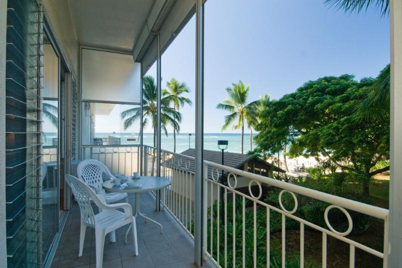 Ocean View on the Huge Lanai - Ocean View at  Beachfront Waikiki Shore Condo - Honolulu - rentals