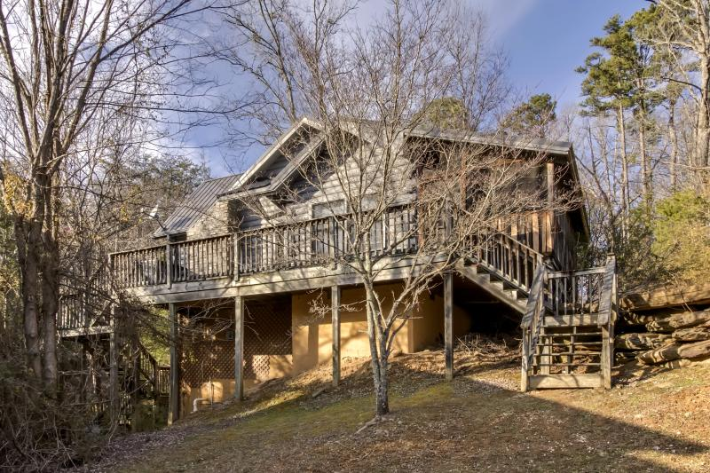 """Jungle Paradise"" --Romantic-- Hot Tub--Jacuzzi - Image 1 - Sevierville - rentals"