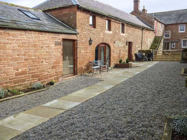 TOM CROFT terraced, working farm, parking, shared garden, in Carlisle, Ref 933727 - Image 1 - Carlisle - rentals