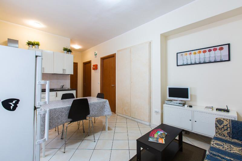 Kitchen Living Room - Lovely apartment in the heart of Rome - Rome - rentals