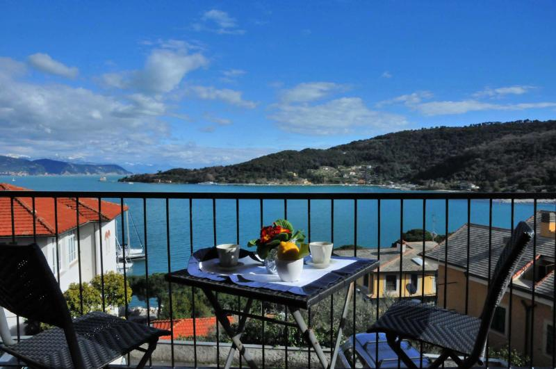 CA VENUS - A view from the balcony - Venus Luxury Apt in Portovenere near to the beach - Portovenere - rentals
