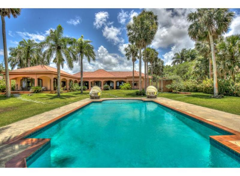 Villa Seabreeze - beachfront villa - Image 1 - Sosua - rentals