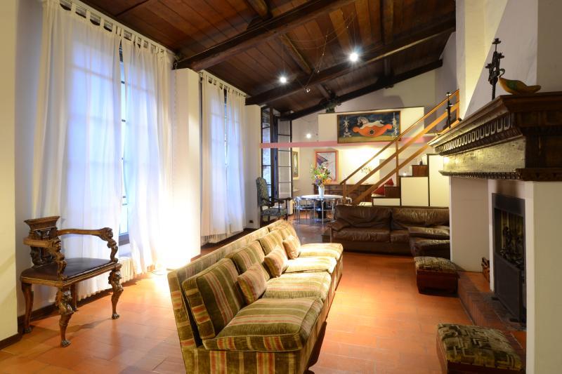 the living - near Ponte Vecchio-TOSCANELLA CHARMING LOFT - Florence - rentals