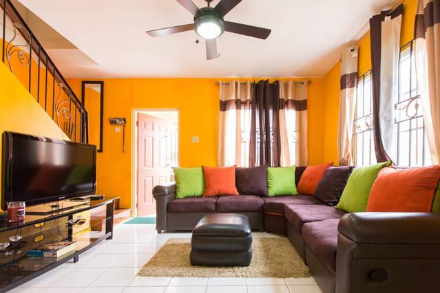 Welcome to your next home - TropiCasa II - 2BD/2.5BR - Kingston - Kingston - rentals