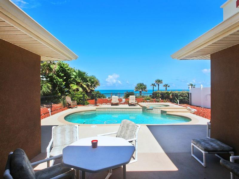 Ocean Front Beach Home with pool/hot tub. 5 Bedrooms, 4 Bath. 2 separate homes. Magnificient views - Ocean Front Beach Home w/pool 5 Bedrooms - Daytona Beach - rentals