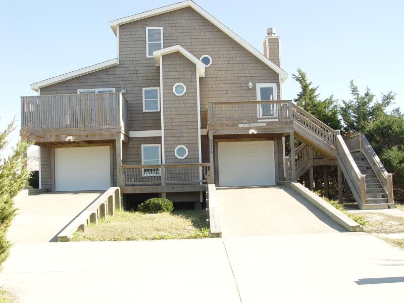 Front view of the house, ramped entrance - Elevator, HotTub, 100yds to Beach, Table Tennis - Rodanthe - rentals