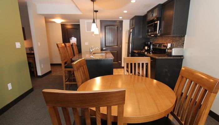 Dine at 'home' with your friends or family. - Canmore Copperstone Resort 1 Bedroom Condo - Dead Man's Flats - rentals