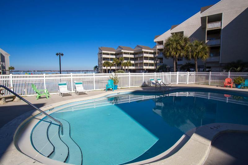 Views of the Pensacola Bay - G6 - Image 1 - Pensacola Beach - rentals