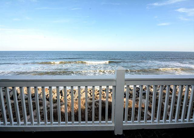 Sunskipper D11 - Oceanfront penthouse condo with loft and pool - Image 1 - Carolina Beach - rentals
