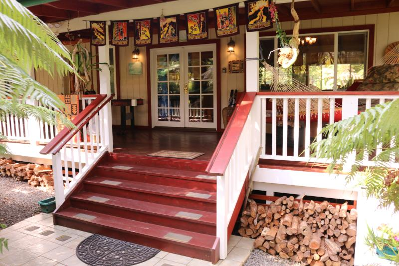 3BR/2BA Home in Volcano- Hot Tub, FREE Wi-Fi and Phone - Image 1 - Volcano - rentals