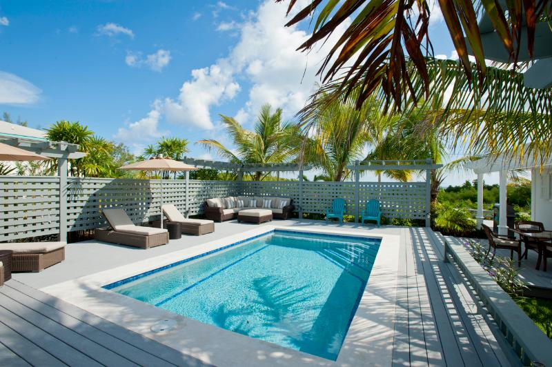 Private pool and deck - New Hilltop House With Pool Close To Town & Beach - Governor's Harbour - rentals