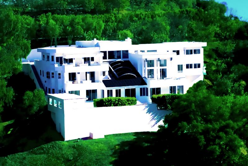 """""""One of the Best Houses in Beverly Hills"""" - Image 1 - Beverly Hills - rentals"""