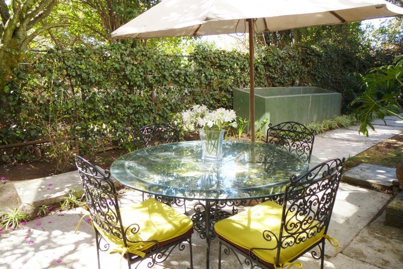 Beautiful 2 bedrom garden apartment - Image 1 - Mexico City - rentals