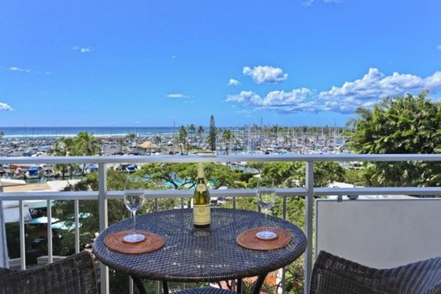 OCEAN VIEWS! STEPS TO WAIKIKI BEACH - Image 1 - Honolulu - rentals