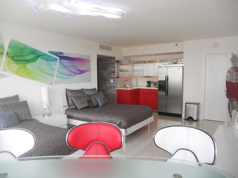 Cozy Open Space with a Modern Touch - Elegant Bay View Studio 905 - Miami Beach - rentals