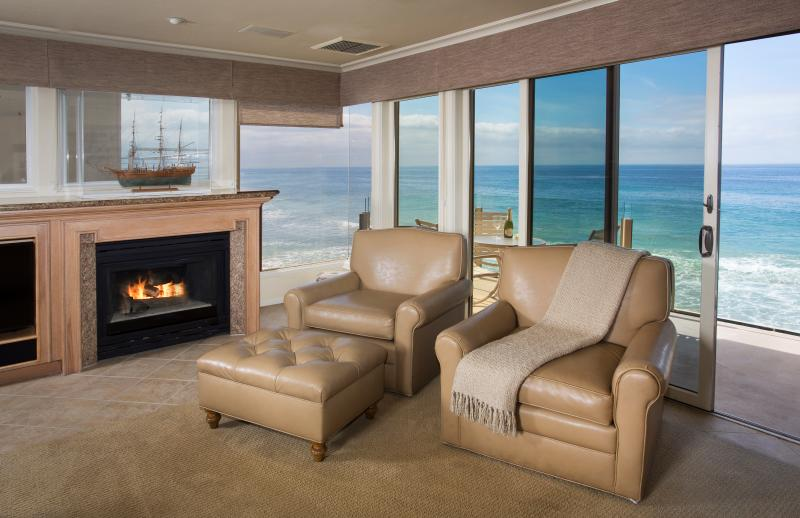 Villa Martinique Living Room with a Fabulous Oceanfront View - 2 bdrm.True Oceanfront, watch waves crash on sand. - Laguna Beach - rentals