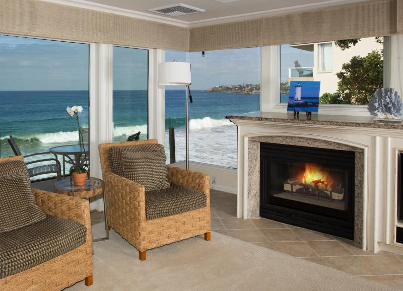 Villa Antigua Features a Gas Fireplace - Villa Antigua - village oceanfront - coveted prop! - Laguna Beach - rentals