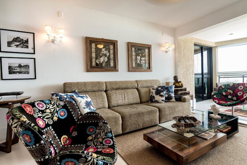 Living and Dining Room - UPSCALE OCEANFRONT CONDO RIO / BARRA DA TIJUCA  01 - Rio de Janeiro - rentals