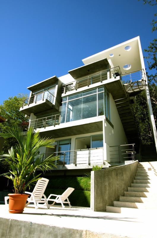 Sleek and modern outside, luxurious inside. Ocean breezes and beach views from you private balcony. - Alta Vista Condos: Luxury, location, views! - Playa Samara - rentals