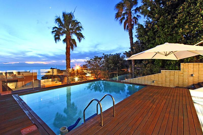Stylish, Tranquil Villa in Camps Bay - Iris - Image 1 - Camps Bay - rentals