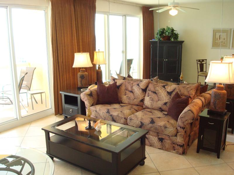 Tropical decor in the open & bright living room that also offers a sofa sleeper - COZY COASTAL RETREAT@CALYPSO! FREE BchChrs! - Panama City Beach - rentals