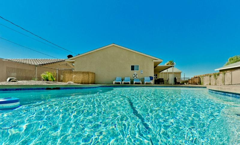 Spacious 4bed/2bath home w/ NEW Pool & Pool Table - Image 1 - Lake Havasu City - rentals