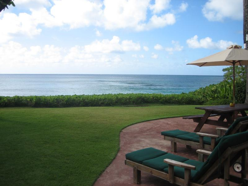 Direct Oceanfront Views with Direct Beach Access to Sunset Beach and Pipeline. - Beautiful*Beachfront*Home on the sand Sunset Beach - Sunset Beach - rentals