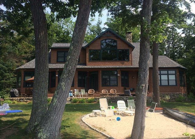 Gorgeous & Expansive Winnipesaukee Lakefront Home! - Image 1 - Moultonborough - rentals