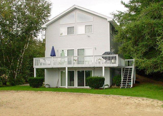 Winnipesaukee Waterfront 4Bed 2Bath W/ Sandy Beach - Image 1 - Moultonborough - rentals