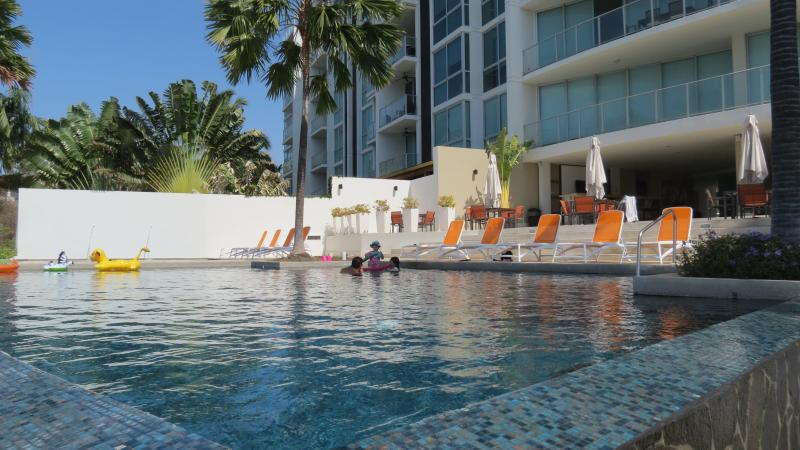 Infinity pool in front of building and kiddie pool - Oceanfront 2BR / 2bath Condo 1st Fl Pool  gated - San Carlos - rentals