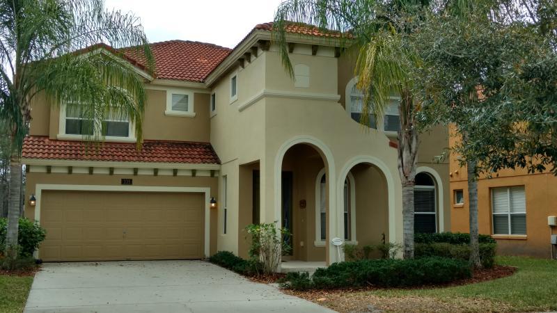 Watersong Holiday Villa / Gated Resort Community - Image 1 - Davenport - rentals