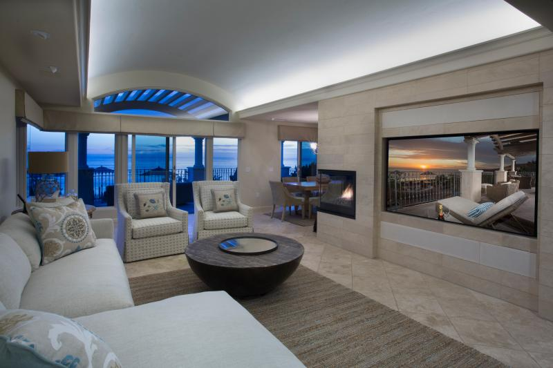 Villa Laguna Living Room with a View - Coveted 3 bdrm location, comfort plus service - Laguna Beach - rentals