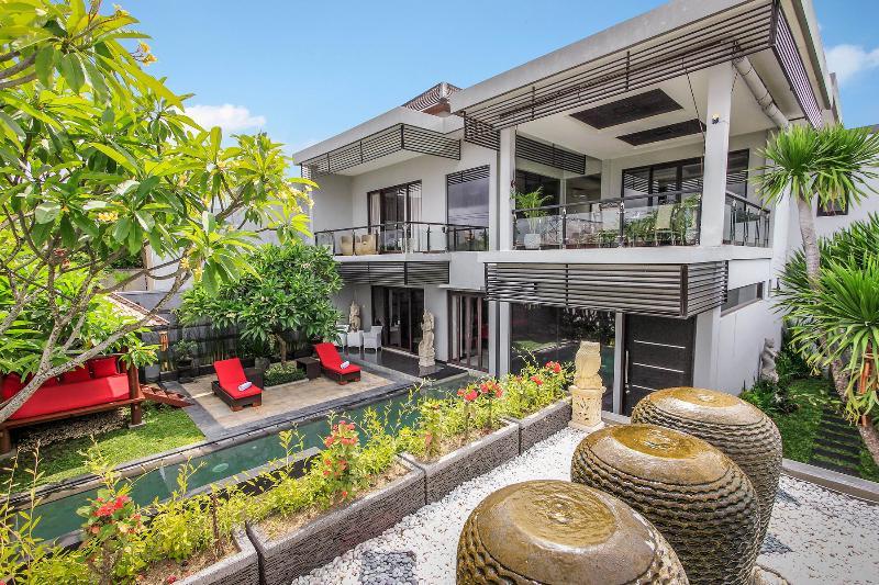 Spacious 4 Bedroom Villa, Seminyak - Image 1 - Seminyak - rentals