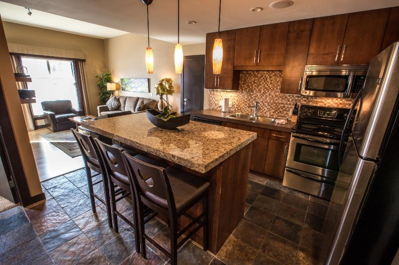 This beautiful unit features a modern, gourmet kitchen and lots of natural light - Canmore Silver Creek Chic 2 Bedroom Condo - Canmore - rentals