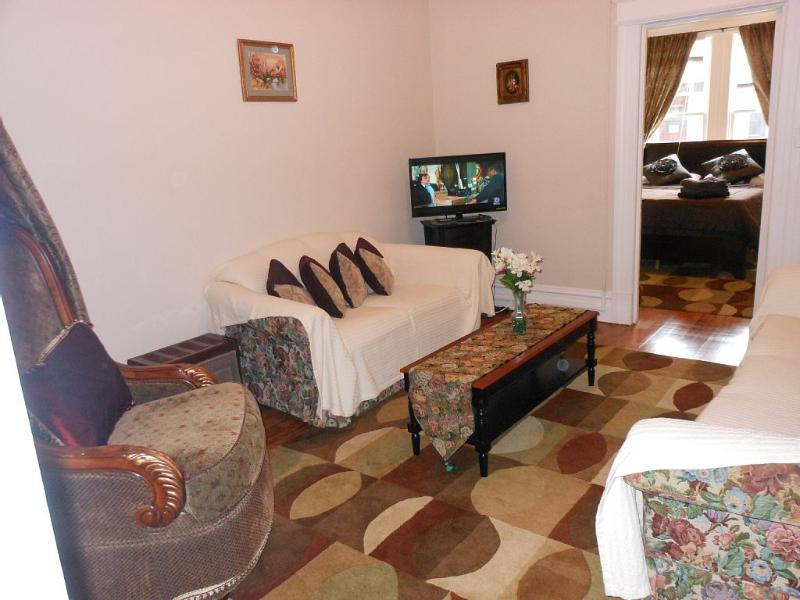 1 Bedroom Apartment Close To Many Attractions, Res - Image 1 - Manhattan - rentals