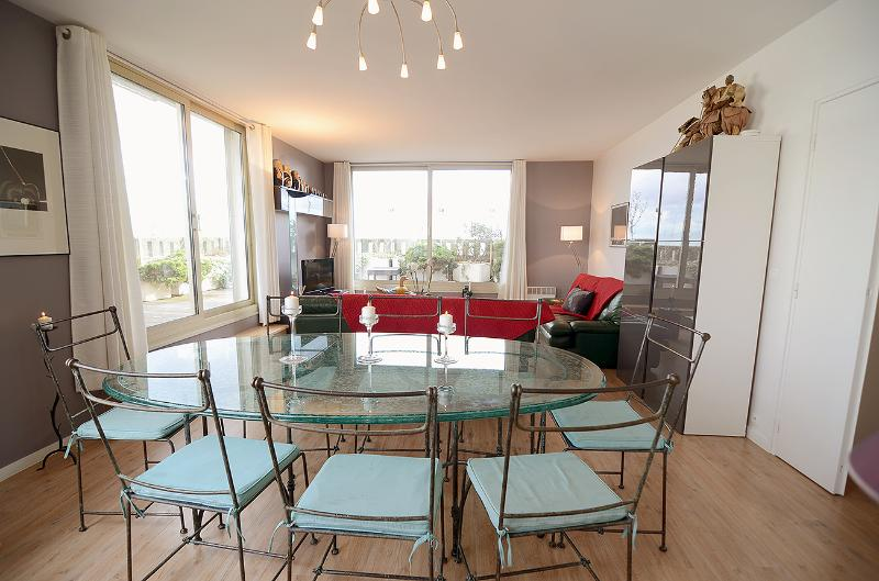 Large glass table with 8 chairs overlooking the large terrace - 3BR Rental with Terrace at Montparnasse in Paris - Paris - rentals