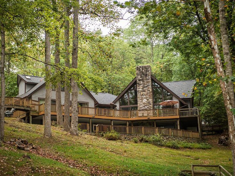 Exterior Lake View - Sweet Virginia Blue on Smith Mountain Lake - Moneta - rentals