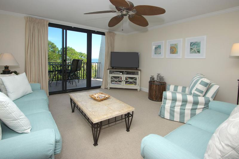 Island Club, 1501 - Image 1 - Hilton Head - rentals