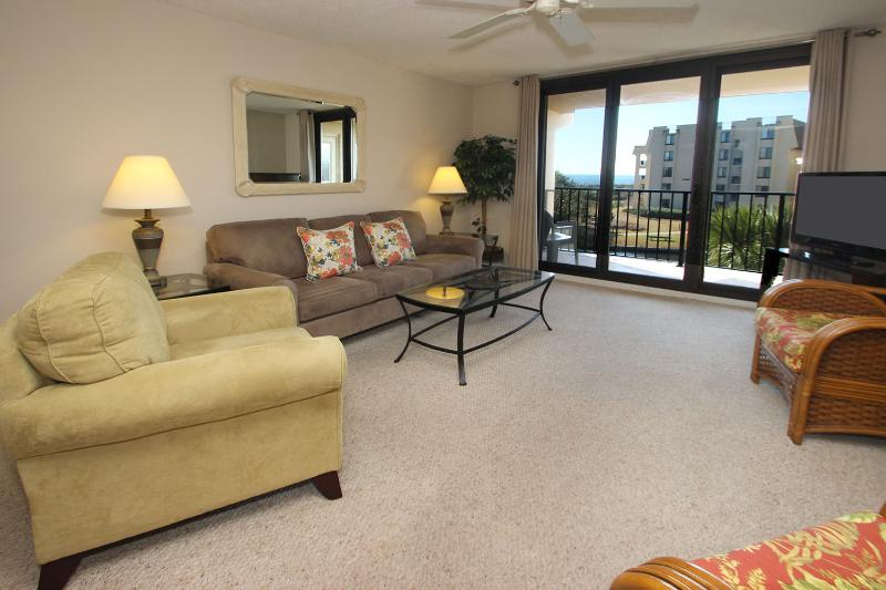 Island Club, 6303 - Image 1 - Hilton Head - rentals